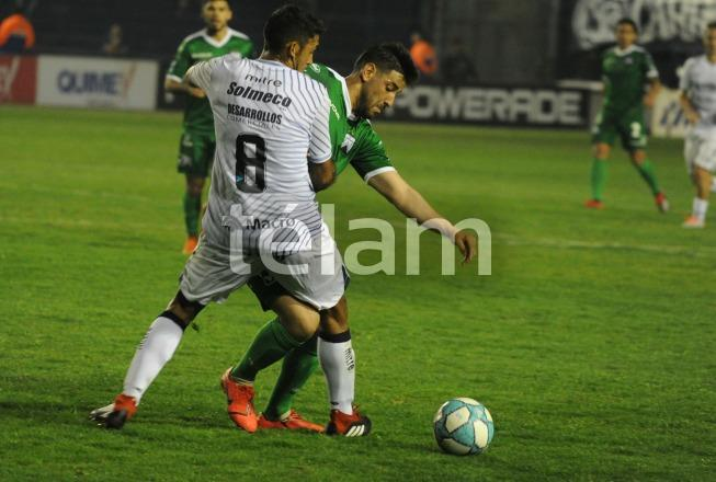Mendoza: Independiente Rivadavia vs Ferro.